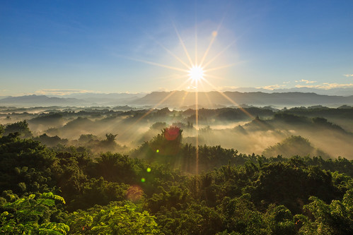 sunrise taiwan tainan 6d 雲海 日出 台南市 星芒 二寮 斜射光 ef1635mm 左鎮區
