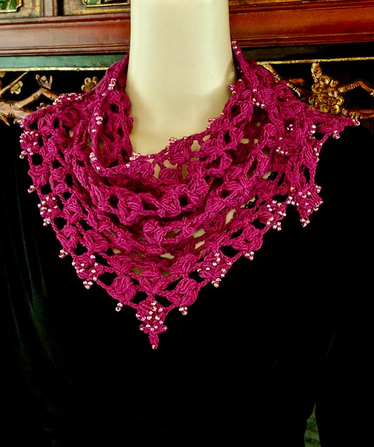 Rosepuff Shawlette, Center Point in Front