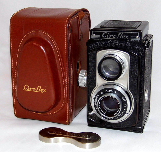 Vintage Ciro-Flex Model B TLR Camera, With Alphax Automatic Shutter, Made In USA, Circa 1948