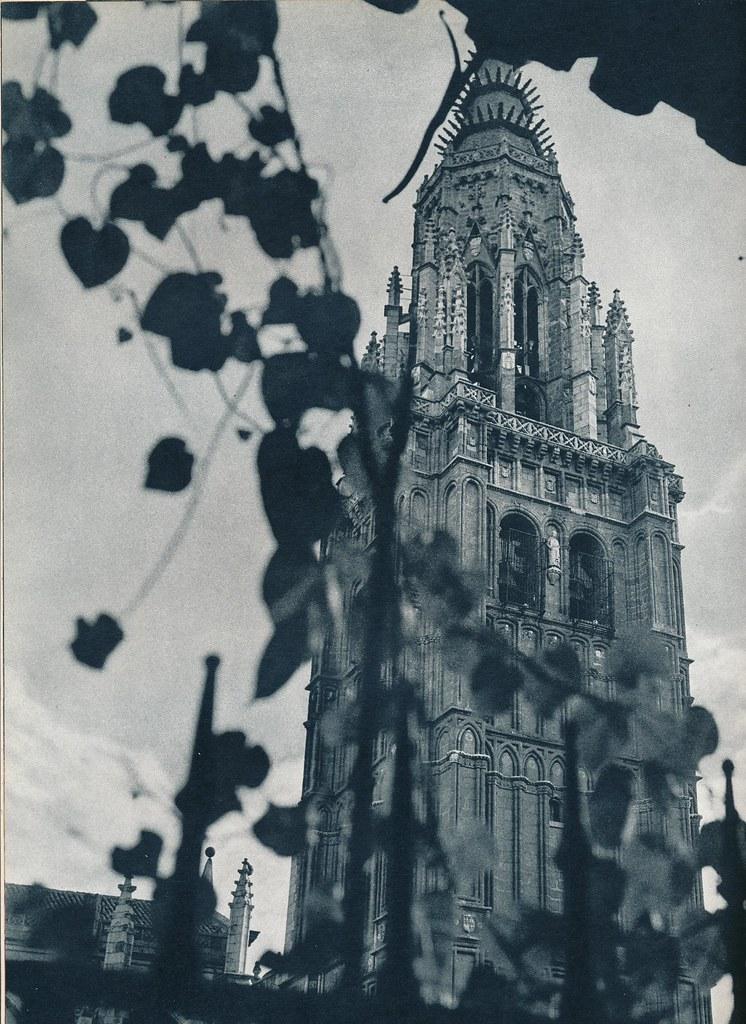 Torre de la Catedral de Toledo hacia 1967 por Marc Flament.