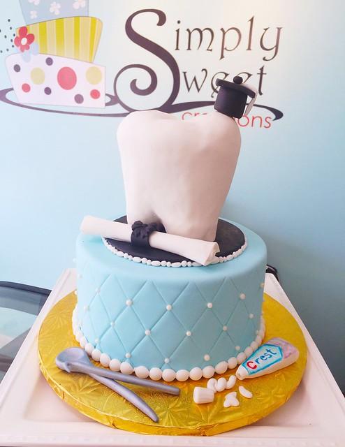Dentist graduation Cake