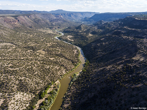 uploadedviaflickrqcom canyon river shadows mesas clouds sunset riogrande whiterockcanyon newmexico djimavicpro water aerialphotography drone whiterock unitedstates america usa