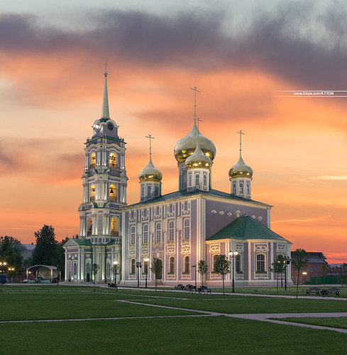 tula russia artyom mirniy cathedral sunset awesome russian church nikon d610 lines cloud sky evening assumption артем мирный россия тула собор храм церковь никон вечер закат небо кремль kremlin tower history yellow orange landscape city cityscape light cross dome hdrphoto hdr digital blending strret beautiful amazing sunny night