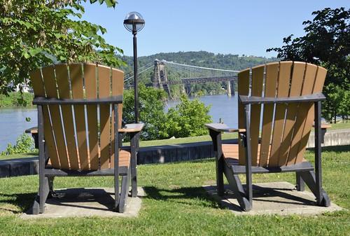 wheeling wv westvirginia travel roadtrip usa america sigma nikin d7000 1770mm 2017 june summer heritageport port trail park chairs ohioriver ohio bridge suspensionbridge