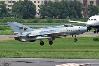 2714: Bangladesh Air Force F-7BGI.