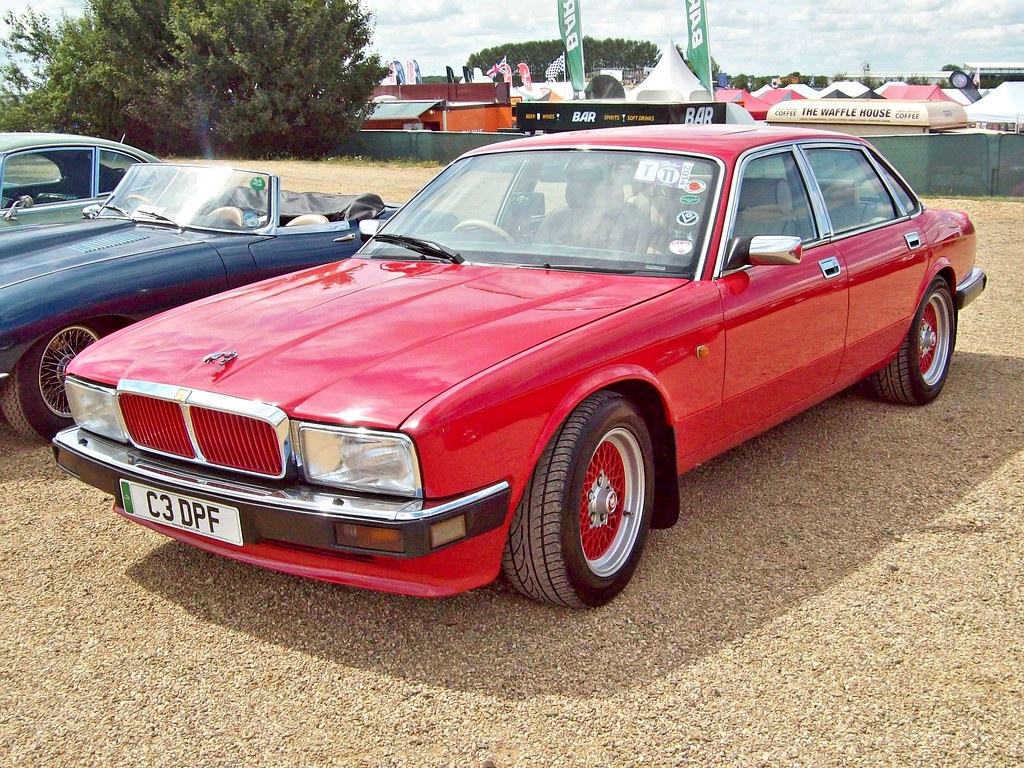 710 Jaguar XJ40 Sovereign (1991)   Jaguar XJ6 (XJ40) (1986 ...