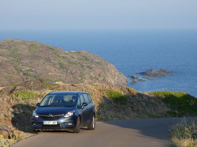En coche por Cap de Creus (Costa Brava, Cataluña)