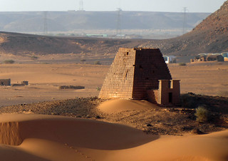 Meröe and the pyramids (1)