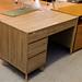 Oak desk cw drawers E100