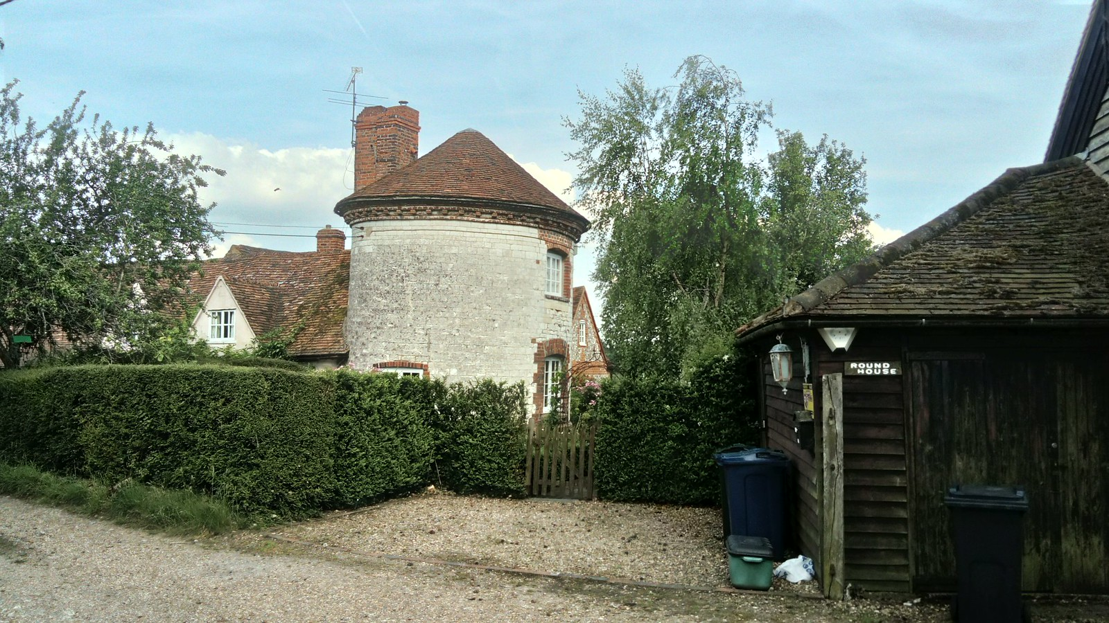 Roundhouse Farm SWC Walk 223 Henley-on-Thames Circular (via Turville) - Stonor Park Extension