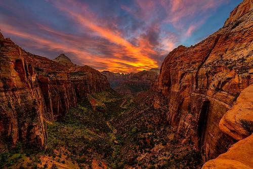 zionnationalpark zion canyon valley sunset cloud sky rocks utah desert landscape