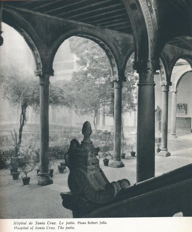 Hospital de Santa Cruz. Libro de Víctor Crastre. Foto de Robert Julia