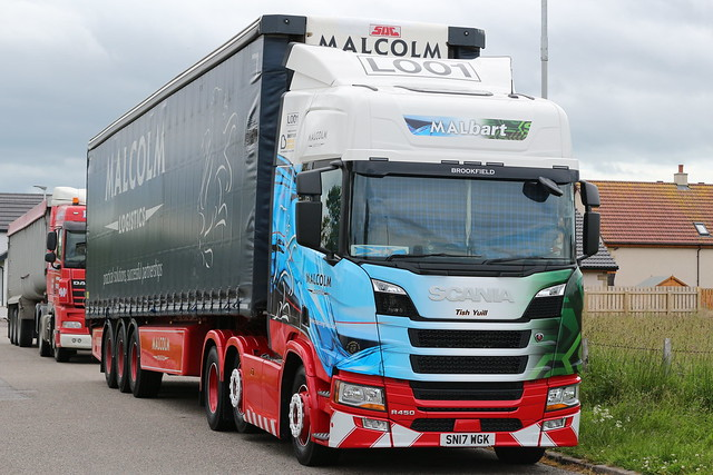 Malcolm Logistics Scania R450 SN17WGK looks to be half malcolm logistics and half Stobart wrap MALBART