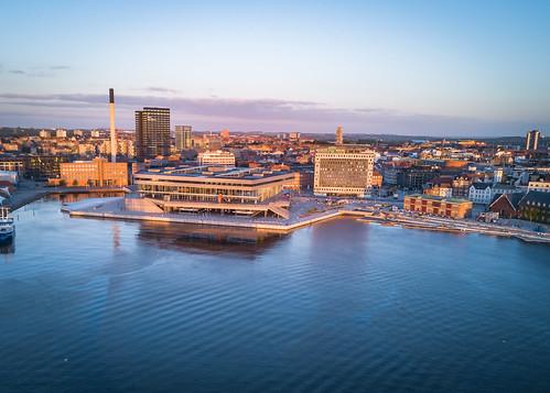 aarhus aarhushavn dokk1 goldenhour solopgang sommer centraldenmarkregion denmark dk fotodennisborupjakobsen