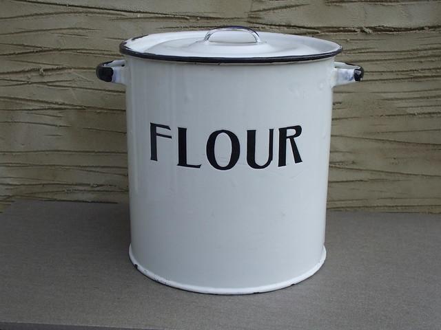 Vintage 1950's Kitchen Enamel Flour Bin / Container Kitchenalia