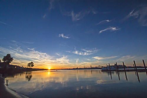 sunset sunshine sun columbiariver river water docks lewisandclarkbridge rainieroregon oregon