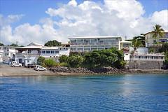 L'embarcadère et l'hôtel du Rocher (Dzaoudzi, Mayotte)