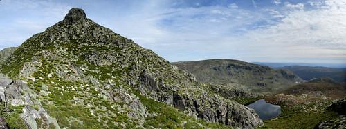 portugal hiking mountains lake water green sky blue landscape panorama ridge summit peak lagoadoscântaros serradaestrela