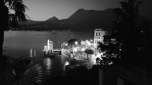 Il porto di Varenna all'imbrunire