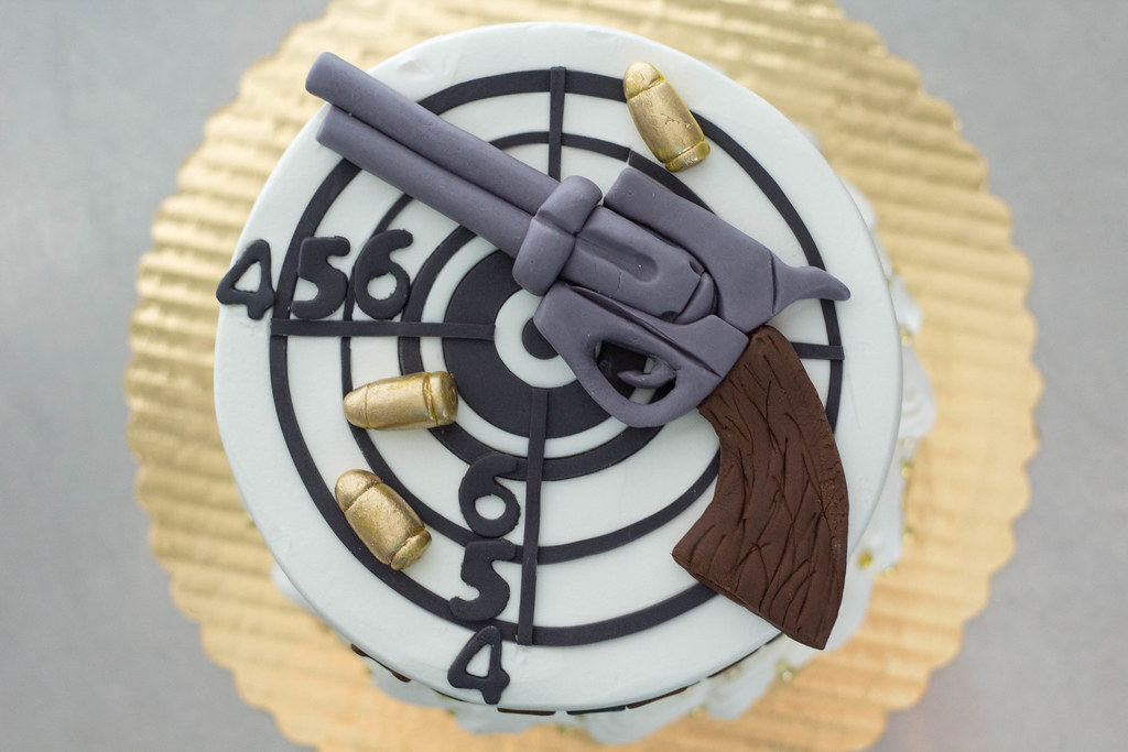 Swell Revolver Target Cake Grace Ful Cakes Flickr Birthday Cards Printable Trancafe Filternl