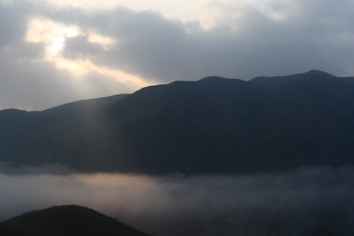 hills sunrays sunrise morning clouds idukki kerala india ind