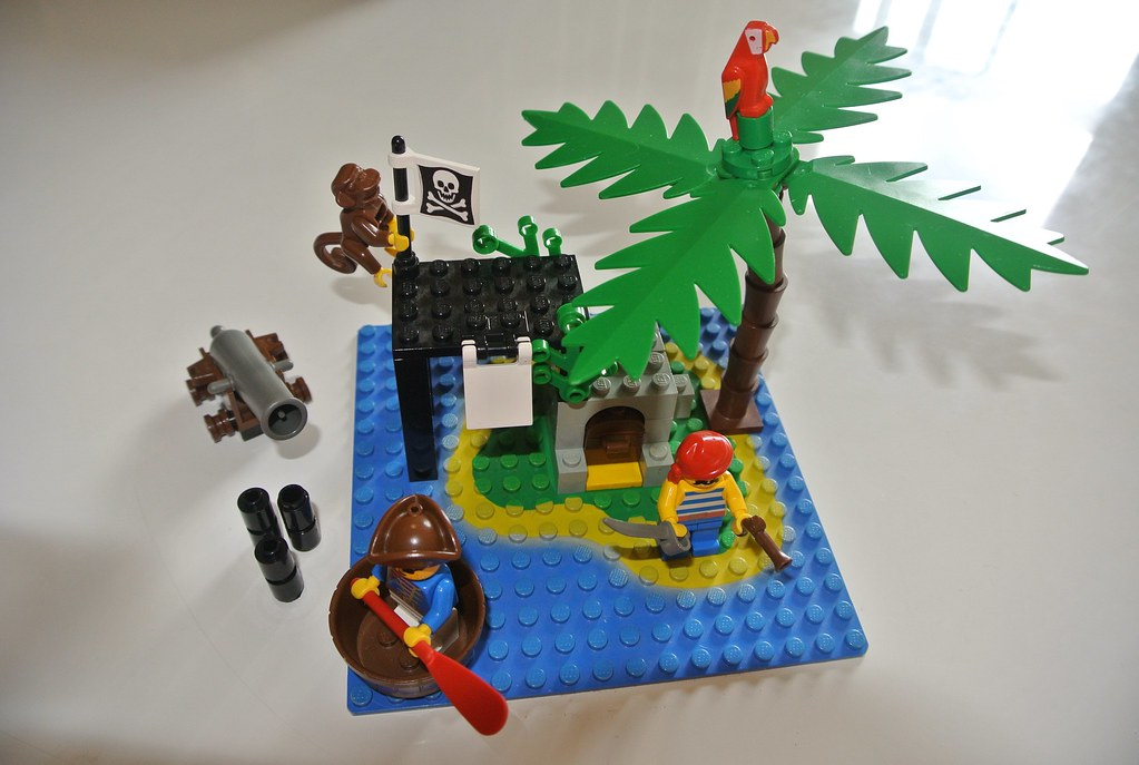 Lego Shipwreck Island 6260 Jadedoz Flickr