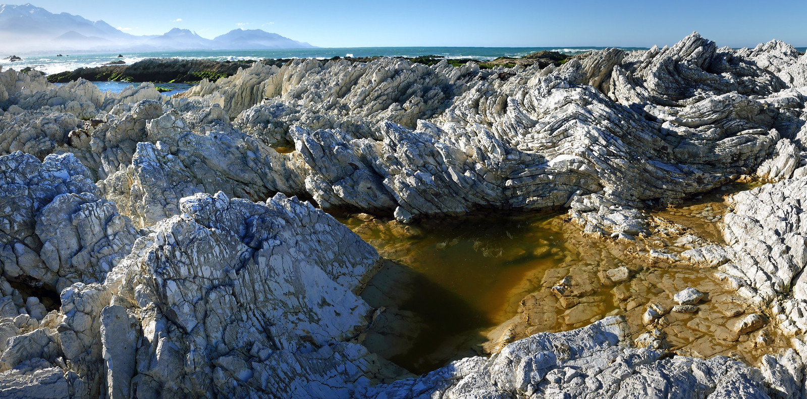 A Rugged Coastline Kaikoura Nz Oligocene Tilted Folded Ver