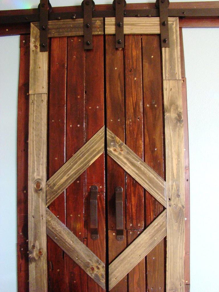 Build Your Own Stunning Sliding Pallet Barn Doors!
