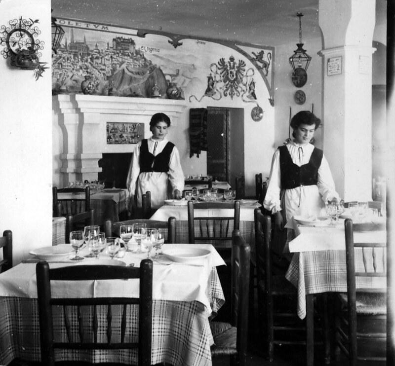 Restaurante en Toledo en los años 50. Fotografía de Nicolás Muller  © Archivo Regional de la Comunidad de Madrid, fondo fotográfico