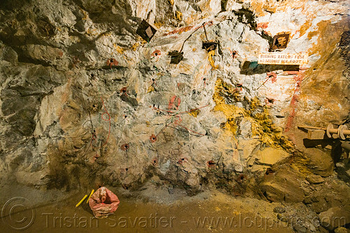 DSC00912 - Mine Wall Prepped for Blasting (Philippines) | by loupiote (Old Skool) pro