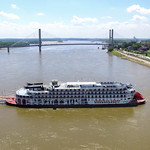 Aaron Palmer captures the American Queen Turning