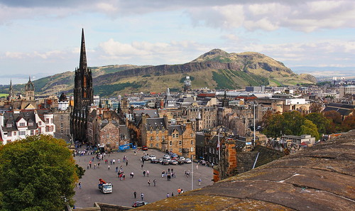 edinburgh castle old town stgiles cathedral royal mile scotland scottish britain british street urban blue sky clouds royalmile church mediaeval oldtown tourist attraction city battlement ramparts beautiful view buildings green mountain hill arthurs seat arthursseat panorama