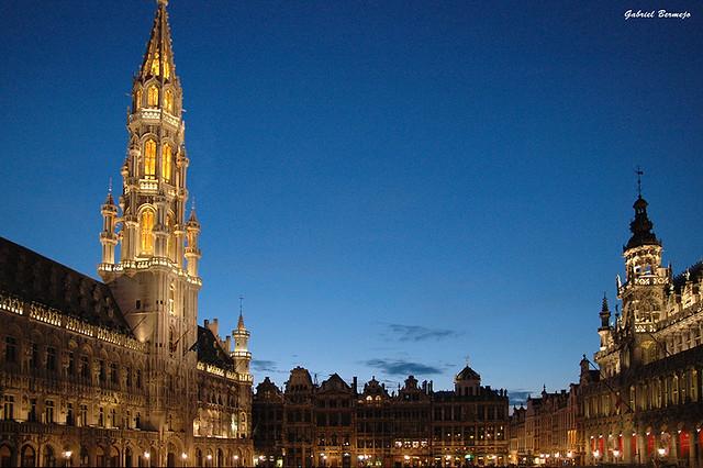 Bruselas en azul y dorado