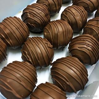 No-Bake Protein Energy Balls | by kriskamarie