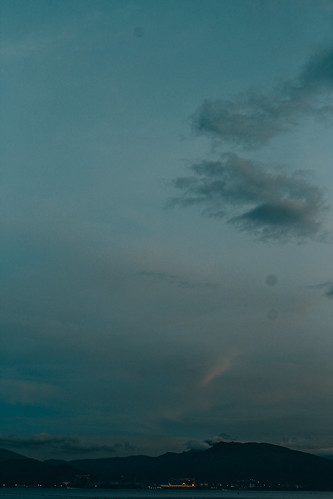 wet warm water exposure technicolor beauty beach lines line grainy nature saturate contrast photography daylight hipster composition sharp sky surise sunlight sunrise dlsr digital digitals dslr hd film lightroom orange morning vibrant vsco canon colors cold color colorized clouds
