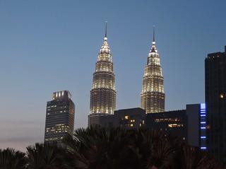 Malaysia (Kuala Lumpur) Petronas Twin Towers at night1   by ustung