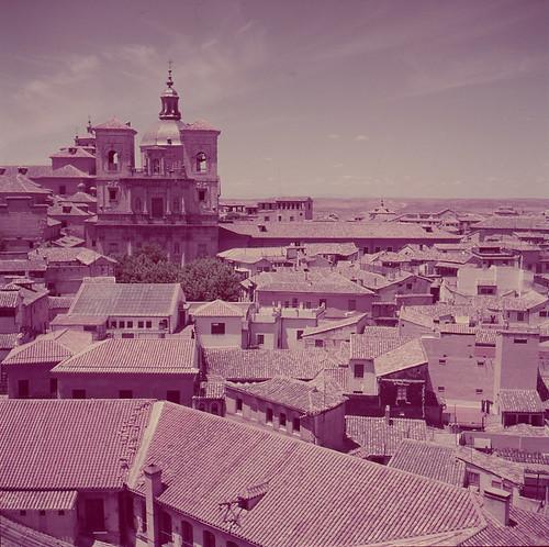 Vista de los Jesuitas desde la Catedral de Toledo en los años 50. Fotografía de Nicolás Muller  © Archivo Regional de la Comunidad de Madrid, fondo fotográfico