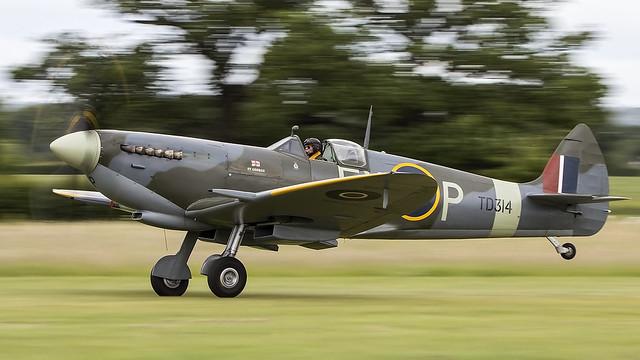 Spitfire Mk IX. TD314 / G-CGYJ.