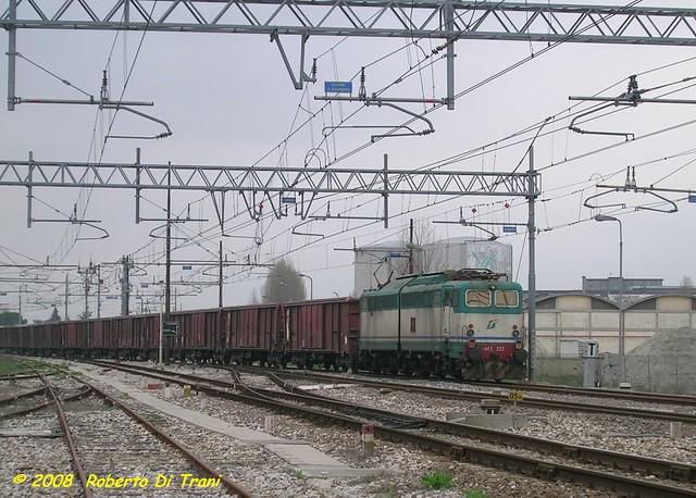 E645 352, Russi