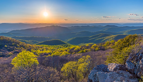bearfencemountain shenandoahnationalpark usa sunset landscape mountains spring virginia creativcommons lukasschlagenhauf