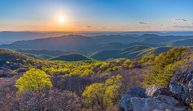 Bearfence Mountain sunset [explored]