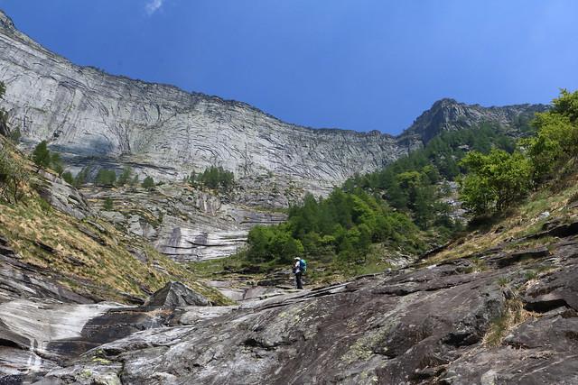 Nel Vallone dell'Alpe Rozzera, Valle Verzasca. Canton Ticino, Svizzera