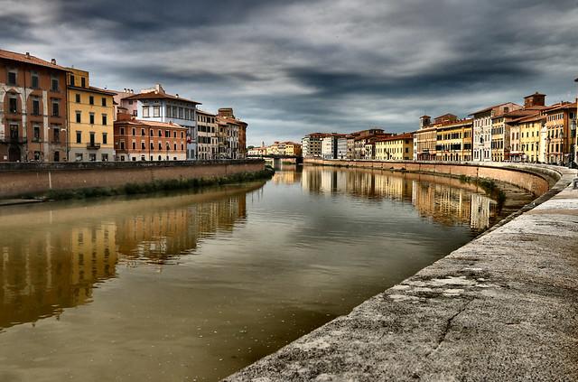 Lungarno-Pisa (Explore)
