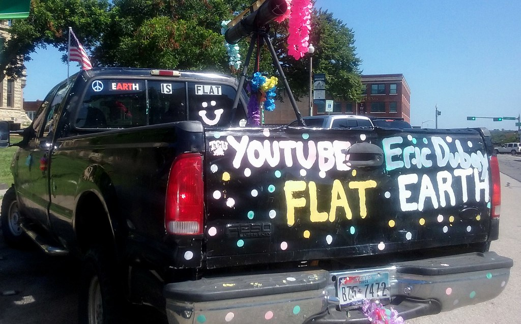 Flat earther truck in Texas
