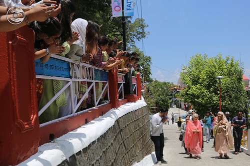 Devotees expressing their joy to see Satguru amongst them: June 12