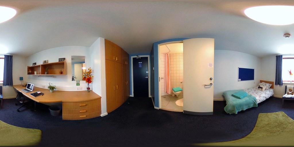 Queen Margaret Bedroom