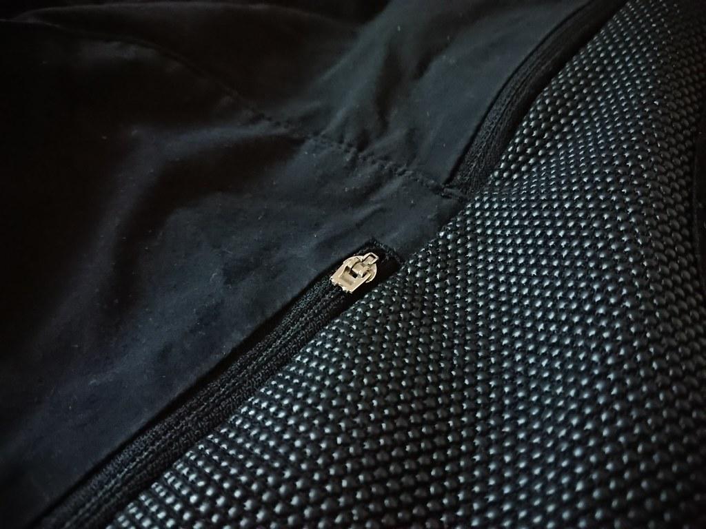 Poc Resistance strong shorts  broken zipperDSC_0324