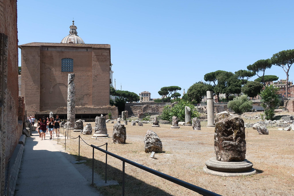 Image:The Roman Senate, the Curia. Photo courtesy of Creative Commons.