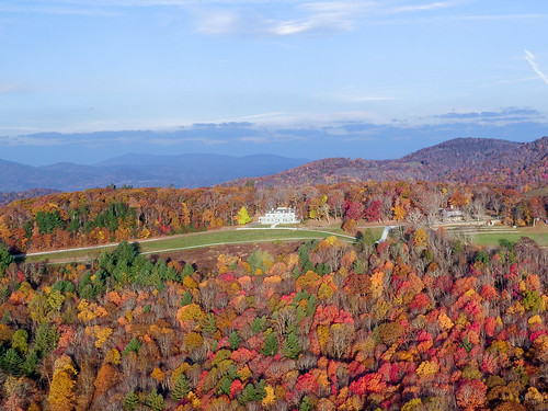 photosbymch landscape aerialphotography inspirephotos sunrise fallcolors autumn leaves trees mansion mosesconemanor flattopmanor blueridgeparkway appalachianmountains northcarolina usa dji x5 2016 outdoors