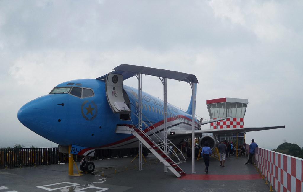 Pesawat Boeing 737-200
